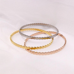 2018 Hot beautiful accessories New fashion bracelets honeycomb geometric smooth titanium steel bracelet women