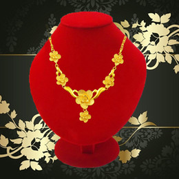 High Class Red Velvet Fashion Wood Jewelry Display Retail Golden Necklace Stand Bust Pendant Racks Jewelry Stand Holder Mannequins Boxes