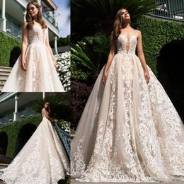 2018 Champagne Elegant Wedding Dresses Summer Beach Lace Appliqued Plunging Sweep Train Vintage Lace Wedding Bridal Gowns BA9850