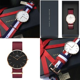 2018 New Daniel Men relojes de alta calidad AAA Red Blue Nylon Belt Business Casual Marca reloj de cuarzo