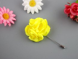 Artificial Flower Suit Brooches Handmade Flower Boutonniere Stick Brooch Pin Mens Accessories Men Lapel Pin Brooches Wedding Bridal Corsage