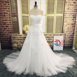Real Pictures Plus Size Wedding Dresses Sweetheart Sleeveless Beaded Crystals Pearls Lace Appliques Lace-up Back Tulle Bridal Gown with Sash