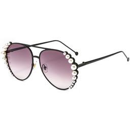 lunettes de soleil blanches noires pour femmes 2018 marque de luxe ovale  monture ronde lunettes femme alliage métal rose miroir lunettes nuances 6b6f4e6571ce