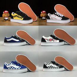 2018 Infant Vans Old Skool Classic Kids Shoes Casual Boys Girls Skate Canvas  Pink Rose Peanuts Black Checkboard Skateboard Sneakers 22-35 7f06586907e
