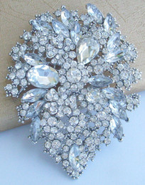 Pretty Bridal Leaf Flower Brooch Pin w Clear Rhinestone Crystals EE03905C4
