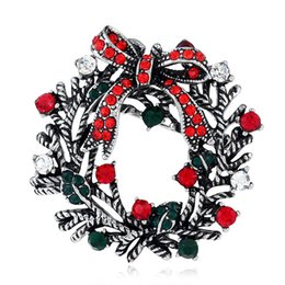 Christmas Brooch Personality Creative Suit Pin Beautiful Personality Creative Suit Pin New Boutique Gift Women's Boutonniere 2Color