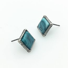 Large Square Stud EARRING With Blue Stone In Burnished Silver Plating For Women On A Small Wholesale
