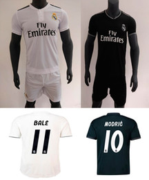 18 19 Real Madrid Home Away Soccer Jersey Shorts 2018 2019 Ronaldo ASENSIO Bale Kroos Football Kits ISCO Camiseta De Fútbol Football Shirt