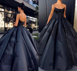 2018 Sparkly Black Spaghetti Straps Satin Ball Gown Evening Dresses Sleeveless Lace Appliques Backless Prom Gowns African Arabic Party Wear
