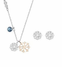 fashion Design Ladies snowflake necklace pendant set