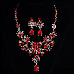 A bridal necklace earrings noble elegant wedding accessories