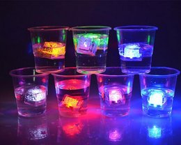 LED Ice Cube Fast Flash Slow Flash 7 Color Auto Changing Crystal Cube For Valentine's Day Party Wedding