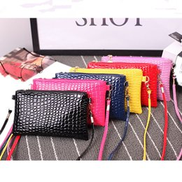 New 2018 Mini Chains Shoulder Bag Crocodile Pattern Bag Women Messenger Bags Hot Sale Purse New Clutch Female Small Crossbody Bags