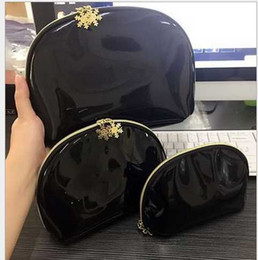 2018 European And American Hot Patent Leather Black Three Sets Of Cosmetic Bag Wash Bag Purse New Cosmetic Bag Ladies Clutch Hand Bags Purse
