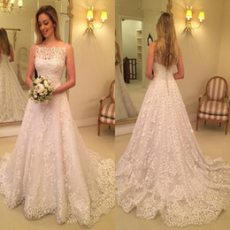 Modern 2018 Lace Mermaid Wedding Dresses Spaghetti Straps Appliques Bridal Gowns Button Covered Back Vestidos High Quality Bridal Gowns
