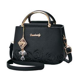Women Small Handbag Female Embroidery PU Leather Designer Bag 2019 Fashion New Flower Shoulder Bag Women's Handbag