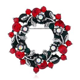 Wreath Christmas Brooch Retro New Boutique Personality Creative Suit Pin New Boutique Gift Women 's Boutonniere 2Color