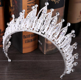 2018 Luxurious Sparkle Pageant Crowns Rhinestones Wedding Bridal Crowns Bridal Jewelry Tiaras & Hair Accessories shiny maid Party Gowns C062