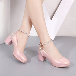 Fall 2018 New light sweet mouth round head coarse documentary shoes joker students with one word with autumn female shoes