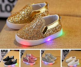 Kids Glowing Sneakers Baby Girls Boys LED Light Shoes Toddler Anti Slip glitter Sequins Sports Casual Shoes