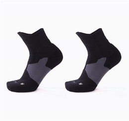 Hot Fashion Professional Sports Socks Thick Anti Friction Barrel Elite Basketball Socks Sweat Breathable Comfortable wholesale