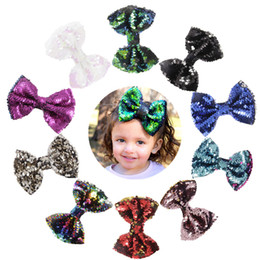 "20pcs lot 5"" Baby Girls Two Toned Reversible Sparkle Sequin Bow on Clips Mermaid Flip Bow Rainbow Bow Hair Bows Birthday Gift"