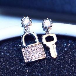 Crystal Zircon Key & Lock Earrings for Women Fashion asymmetric Stud Earrings Party Jewelry Platinum Plated Accessories