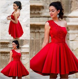 2018 Sexy Red Mini Short A Line Homecoming Dresses One Shoulder Beautiful Satin Graduation Party Dresses Sweet 16 Cocktail Dresses