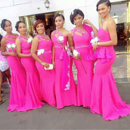 African One Shoulder Fushia Long Bridesmaid Dresses Satin Beaded Ruffles Mermaid Maid Of Honor Party Gowns Custom Made Wedding Guest Dress