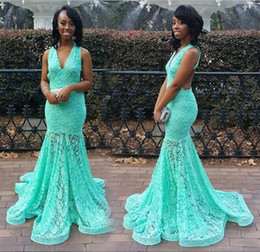 Sexy Backless Lace Prom Dresses Mermaid Mint Formal Long Evening Gowns V Neck Floor Length Illusion Bodice Party Gowns