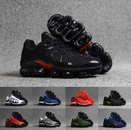 Vapormax TN Plus BE TRUE Running Shoes Mens Womens Classic Outdoor Shoes Air Black White Fashion Athletic Sport Sneakers Size 36-46