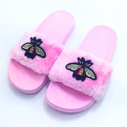 AoXunLong New Bee Slippers Womens Slides Fashion Furry Pink Home Slippers Flats Flip Flops Women Pink Fur Slippers Peluche 36-41 Fur Slides