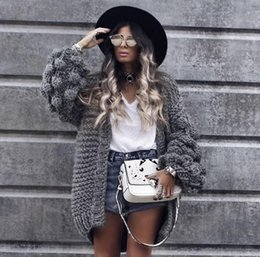 Hot Sales 2018 European and American Style Women's Sweaters Coat Batwing Sleeves Gentiana Stitch Fashion Trend
