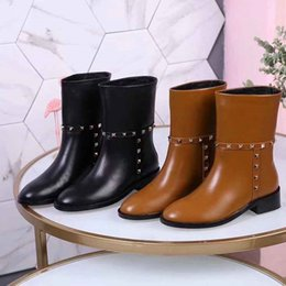 Brand Women cow leather Half Boots fashion Ankle Martin boots Western Motorcycle Knight Boots Metal Rivets Winter Snow Short Boots,35-40