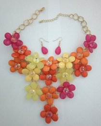 Hot Flower Acrylic Beads Necklace&Earring Set Large Size Exaggerated Floral Statement NE Set Statement Necklace Multi colours Goden Tone