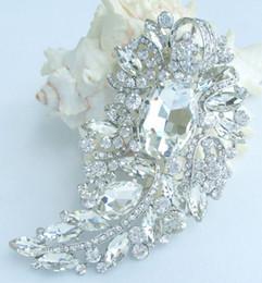 Pretty Bridal Leaf Flower Brooch Pin w Clear Rhinestone Crystals EE04912