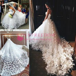 2020 Speranza Couture Princess Wedding Dresses with Flowers And Butterflies in Long Train Arabic Middle East Church Garden Wedding Gown