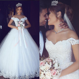 Arabic Wedding Dresses Off Shoulder Sweetheart Pearls Tulle Ball Gown Lace-up Bridal Dresses Vintage Cheap Wedding Gowns