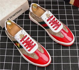 2019 New Style Fashion High Top Men Shoes Spikes Shoes Luxury Designer Rivets Flat Walking Shoe Dress Party Wedding Shoes loafers BM680