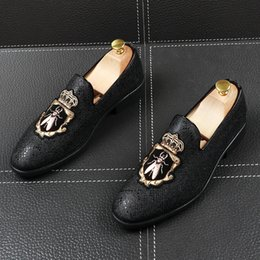 New High Quality Men pointed Embroidery bees Shoes Moccasins Loafers Male wedding dress prom Homecoming shoes