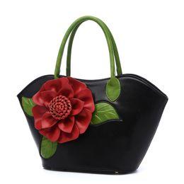 Fashion women's bag 2019 new ethnic style dumpling type impact color hand-held single shoulder slant slant large capacity flower wrap white
