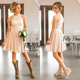 2019 Cheap Short Lace Country Cowgirls Bridesmaids Dresses Pearls Halter Neck Knee Length Boho Beach Maid of Honor Guest Party Dress BA7847