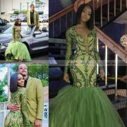 2019 Dark Green Mermaid African Prom Dresses Puffy Skirts Appliques Sequined Black Girls Evening Dress V Neck Long Sleeves Reception Dress