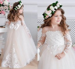 Light Champagne Lace Appliqued Flower Girl Dress Long Sleeves Cute Princess Birthaday Gown Long Girl Formal Wedding Dresses