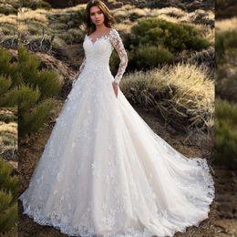 Tulle Princess Wedding Dresses 2019 Appliques V-neck Long Sleeves Bride Gowns for Dubai Saudi Arabia Vestido De Novia