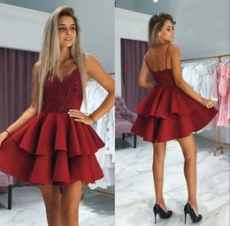 2019 Burgundy Homecoming Dresses Girls Formal Party Wear 2 Tiers Spaghetti Beaded Lace Appliques Cocktail Dresses Short Even Gown