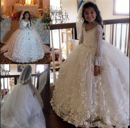Elegant Ivory Long Sleeve V Neck Flower Girls Dresses Appliques Tulle Girls Pageant Gowns With Pearls Girls Communion Birthday Wear