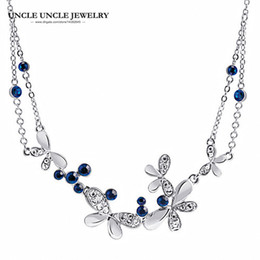 Elegant White Gold Color Flying Butterfly Design Blue Rhinestones Studded Woman Necklace for Party Wholesale Fashion Gifts