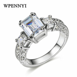 Classic Vintage Style White Gold Color Rectangle Clear Zirconia Luxury Woman Finger Wedding Ring Wholesale Christmas Gift