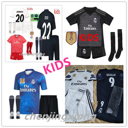 kids kits Real Madrid soccer jersey 2018 2019 RONALDO MORATA MARCELO SERGIO KROOS BENZEMA ISCO KIDS set children's goalkeeper jersey